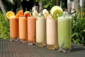 healthy poolside smoothies